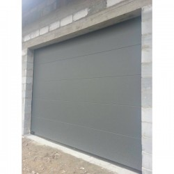 Brama garażowa - panel wrinkle DB 703